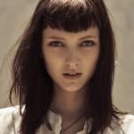 taglio-di-capelli-con-frangia-simmetrica