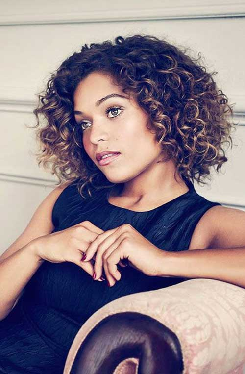 capelli ricci corti 30-Curly-Hairstyles-for-Short-Hair-12
