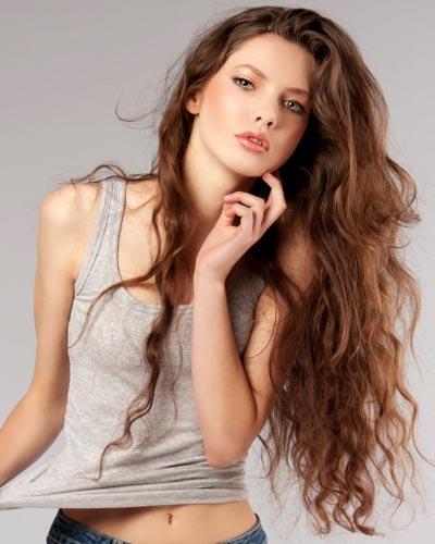 capelli lunghi ondulati