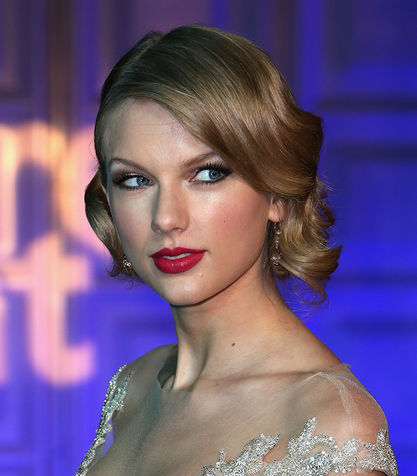 Taylor-Swift_su_vertical_dyn Taylor-Swift_su_vertical_dyn