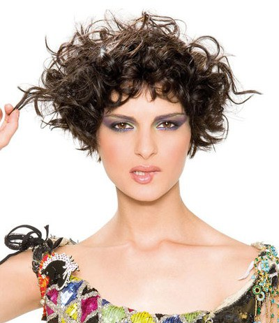 capelli ricci corti Wonderful_Hairstyles_for_Short_Curly_Hair