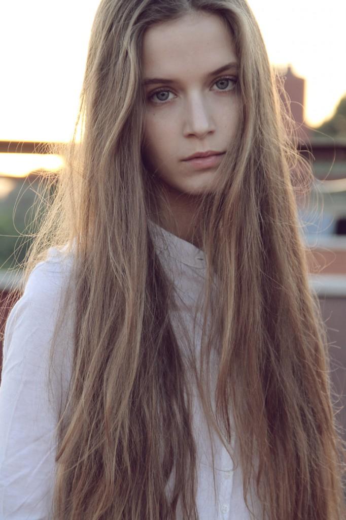 capelli-lunghi-sfibrati-682x1024