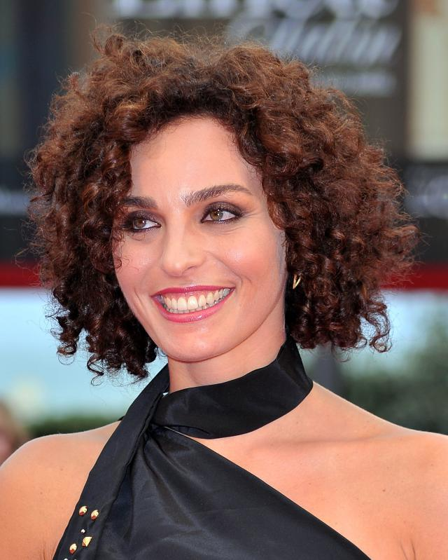 capelli corti ricci super-curly-short-hair