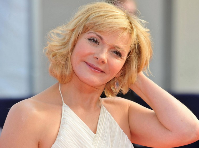 Kim-Cattrall-Hairstyle-for-Women-Over-50