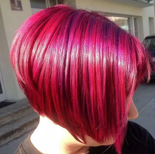 Redhead-short-graduated-bob-hairstyle-for-women