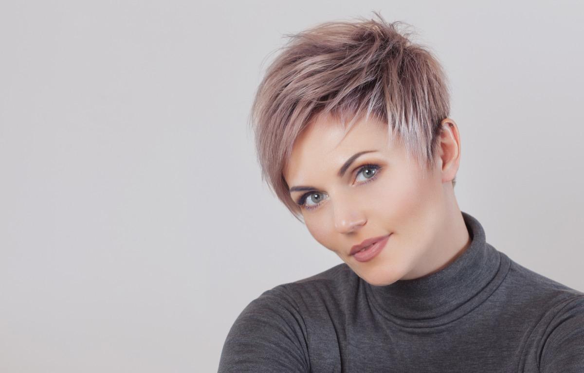 Taglio di capelli corti
