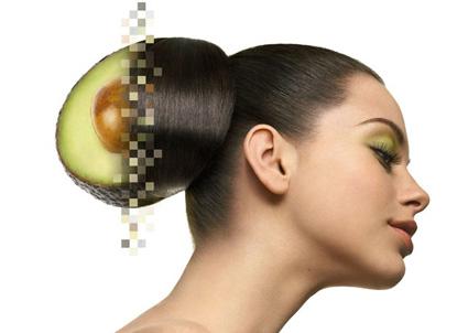 Maschera per capelli con uovo