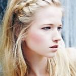 trecce-capelli-autunno-inverno-2014-capelli-sciolti-con-treccia-frontale