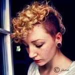 30-Chic-Pixie-Haircuts-Blonde-Curly-Hair