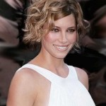 Curly-Short-Bob-for-Oval-Faces