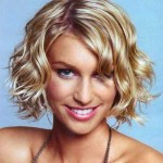 Curly-Wavy-Short-Hair-for-Oval-Faces