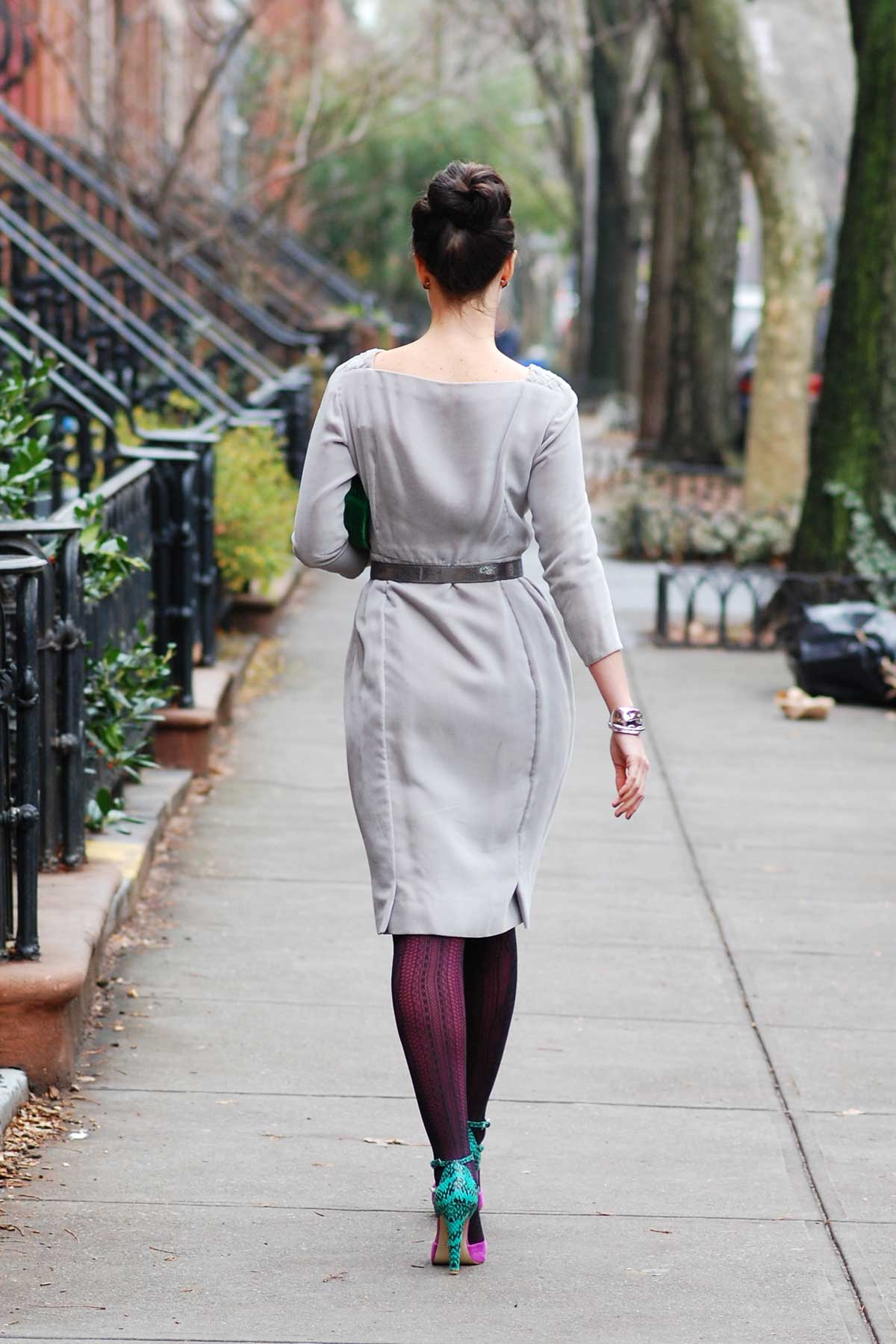 Grey-dress-and-colorful-tights-and-shoes
