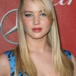 Jennifer-Lawrence-with-long-blonde-stright-hair-young