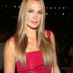 Molly-Sims-long-blond-hair-looks-stellar-when-straight