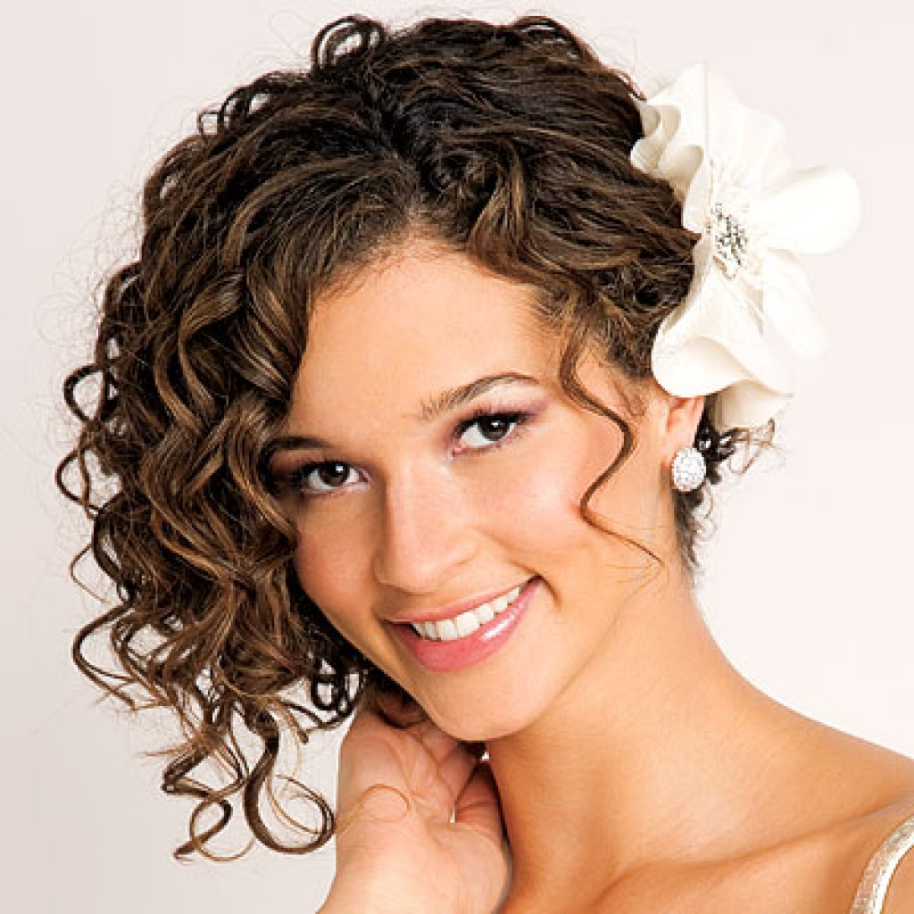 haircut styles for with curly hair 35 tagli di capelli corti ricci sbarazzini simpatici ed 8931