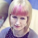 10-blonde-bob-with-pink-peekaboo-highlights