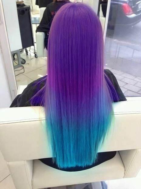 Capelli corti blu e viola