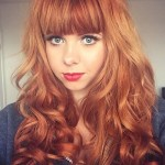 21-light-red-wavy-hairstyle-with-bangs