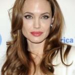 4-Angelina-jolie_diaporama_550
