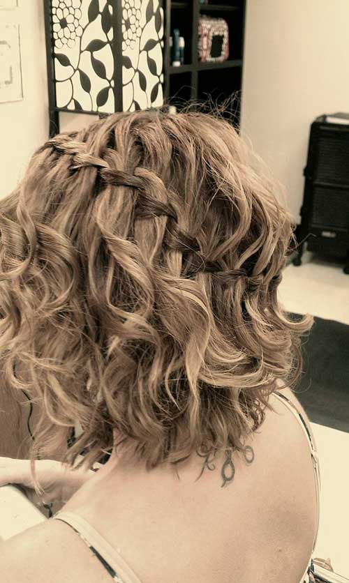 acconciature ondulate per capelli corti Braided-Short-Hairstyles-for-Curly-Wavy-Hair