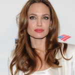 Castano-miele-di-Angelina-Jolie_su_vertical_dyn