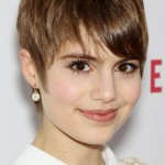 Chic-Short-Pixie-Cut-with-Bangs-for-Young-Ladies