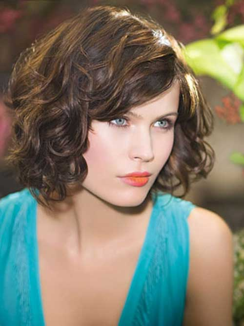 acconciature ondulate per capelli corti Dark-Brown-Wavy-Curls-for-Short-Hair