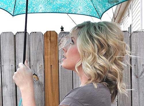 acconciature ondulate per capelli corti Loose-Wavy-Curls-Short-Hair