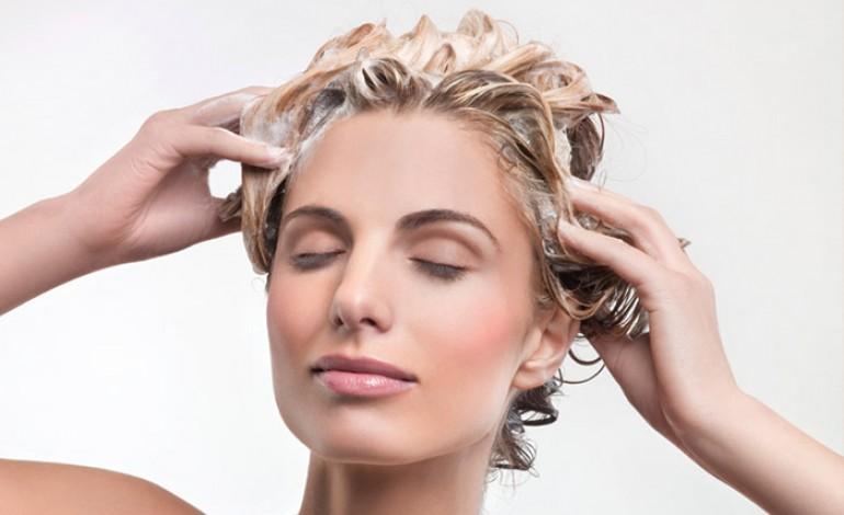 Quanto-tempo-tenere-lo-shampoo-colorante-770x470