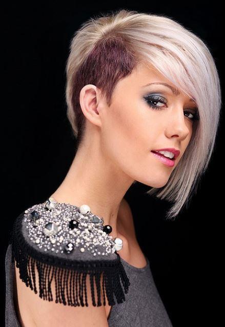 Ricrescita capelli rasati da un lato