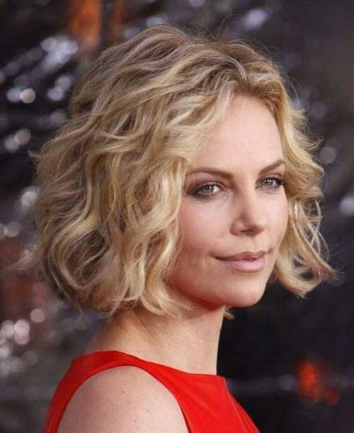 acconciature ondulate per capelli corti Thick-Short-Wavy-Curly-Hair