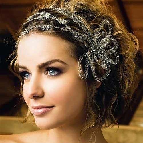 acconciature ondulate per capelli corti Wedding-Style-Wavy-Curls-for-Short-Hair