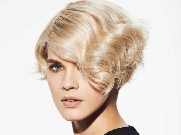 capelli mossi ondulati