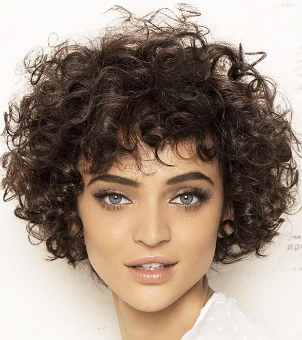 capelli-corti-ricci-620-444 - CapelliStyle