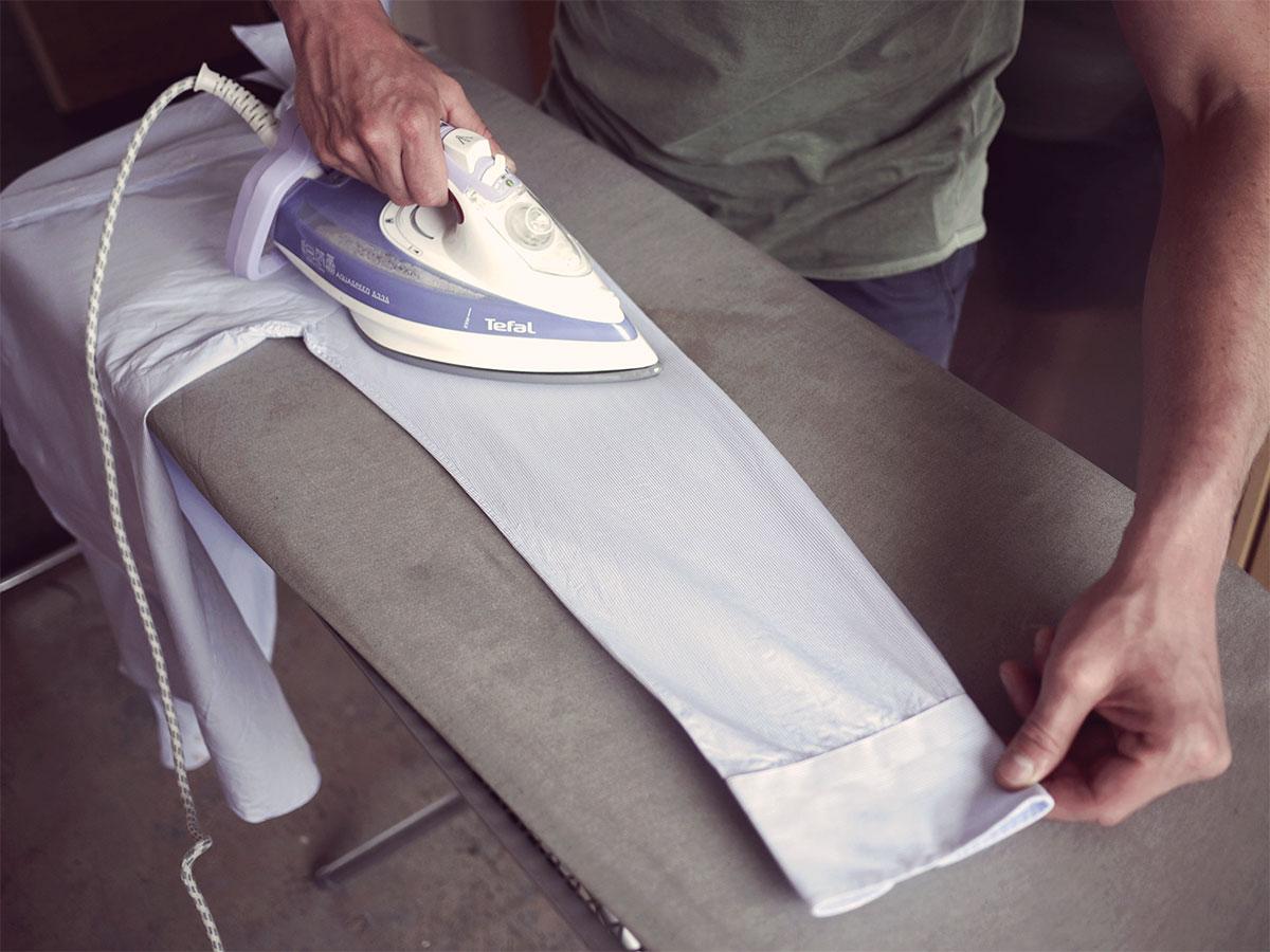 Come Piegare Una Camicia Stirata.Come Stirare Una Camicia Piccola Guida Step By Step