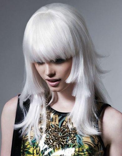 capelli grigi platinum-blonde-hair-color