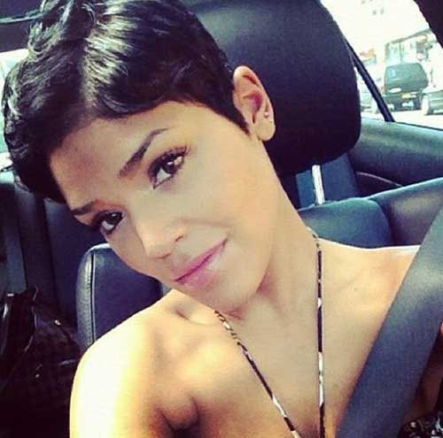 2015-Short-Hairstyle-for-Black-Women