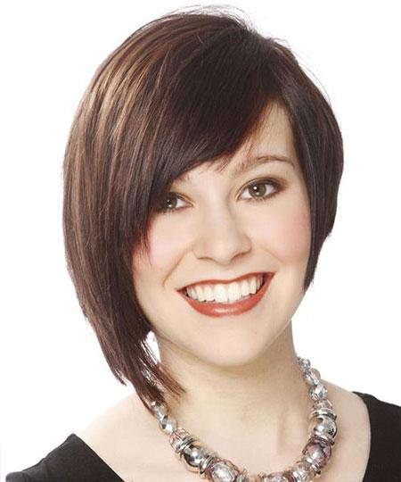 Asymmetrical-Short-Hairstyle-For-Women
