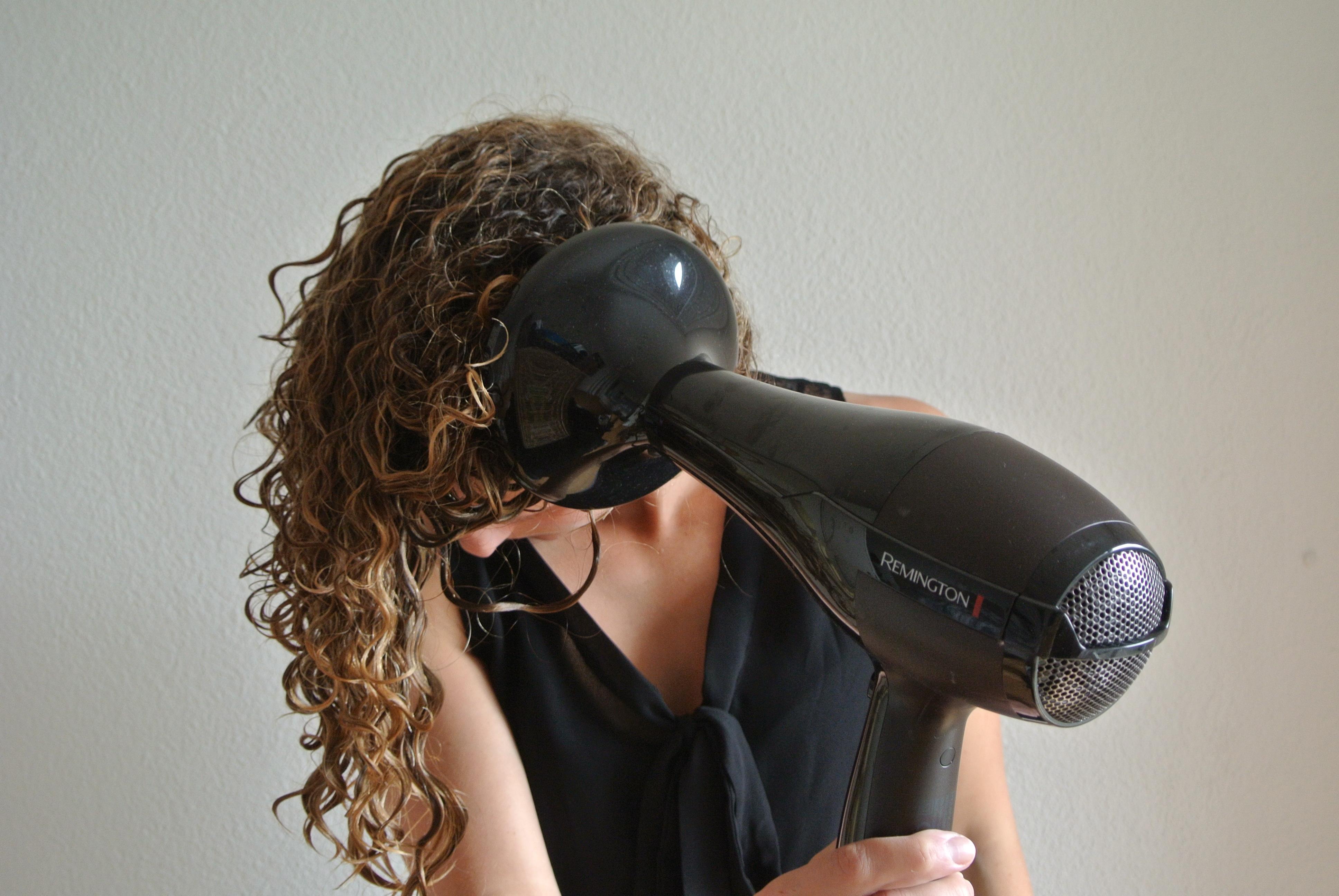 asciugare i capelli ricci