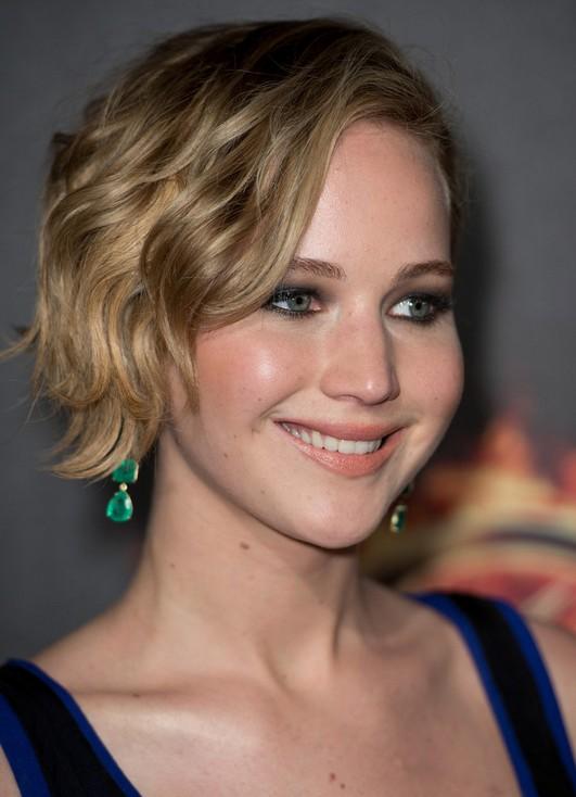 Jennifer-Lawrence-taglio-corto