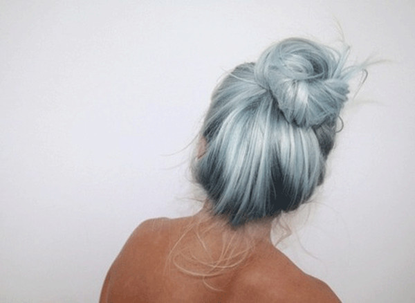 Light-gray-with-pastel-blue-even-for-a-high-bun-is-still-great