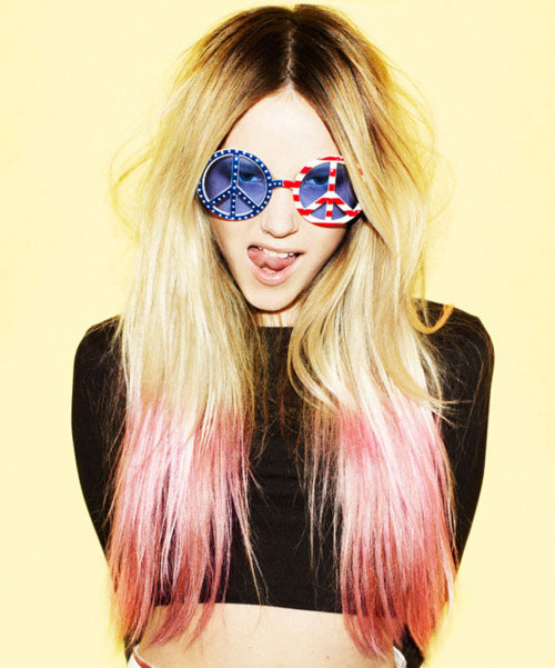 Long-Blonde-Hair-with-Pink-Tips