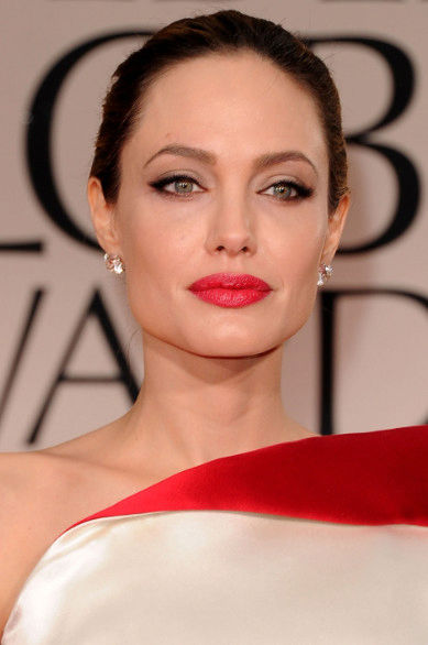 angelina-jolie-rossetto-rosso