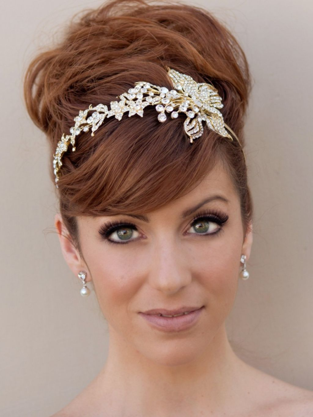 beautiful-and-chic-floral-headband-wedding-hairstyle-long-inside-headband-hairstyles-v-cut-and-u-cut-hairstyles