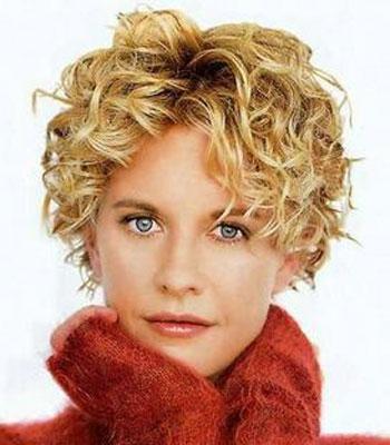 capelli-ricci-autunno-inverno-2014-taglio-corto-biondo