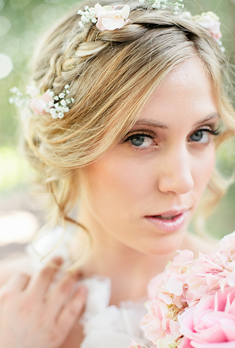 flower-crowns-floral-crowns-wedding-hairstyle-ideas-braided-hairstyle-with-flowers flower-crowns-floral-crowns-wedding-hairstyle-ideas-braided-hairstyle-with-flowers