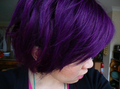 hair-color-trends-in-deep-purple-colors
