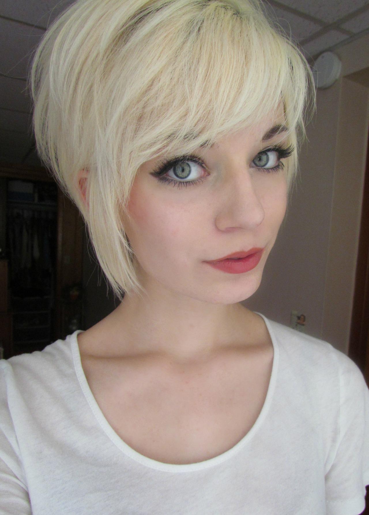 short-pixie-cut-with-side-bangs-asymmetrical-short-hair-hair-inside-asymmetrical-pixie-cuts-asymmetrical-pixie-cuts
