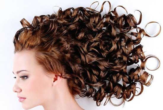 20-Best-Cute-Easy-Simple-Yet-Cool-Curly-Hairstyles-Haircuts-For-Women-10