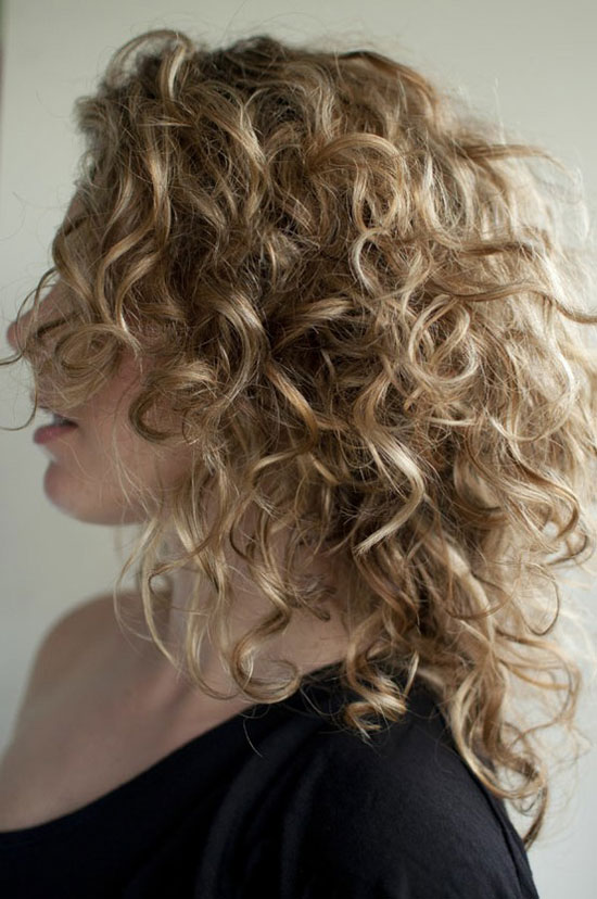 20-Best-Cute-Easy-Simple-Yet-Cool-Curly-Hairstyles-Haircuts-For-Women-5